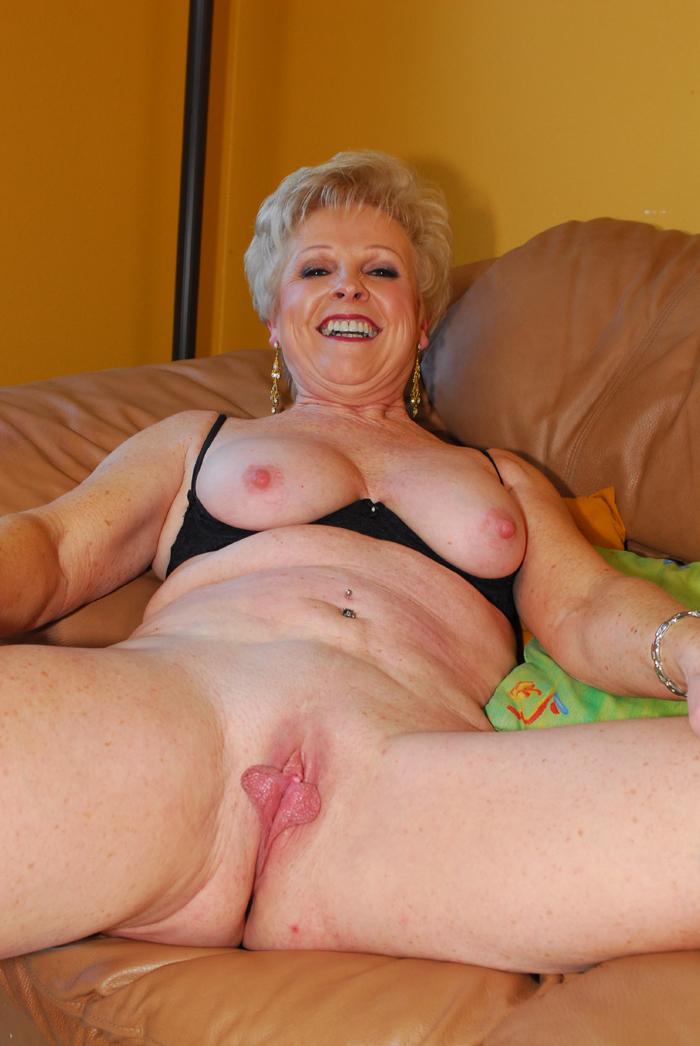 gigantic clitoris porn