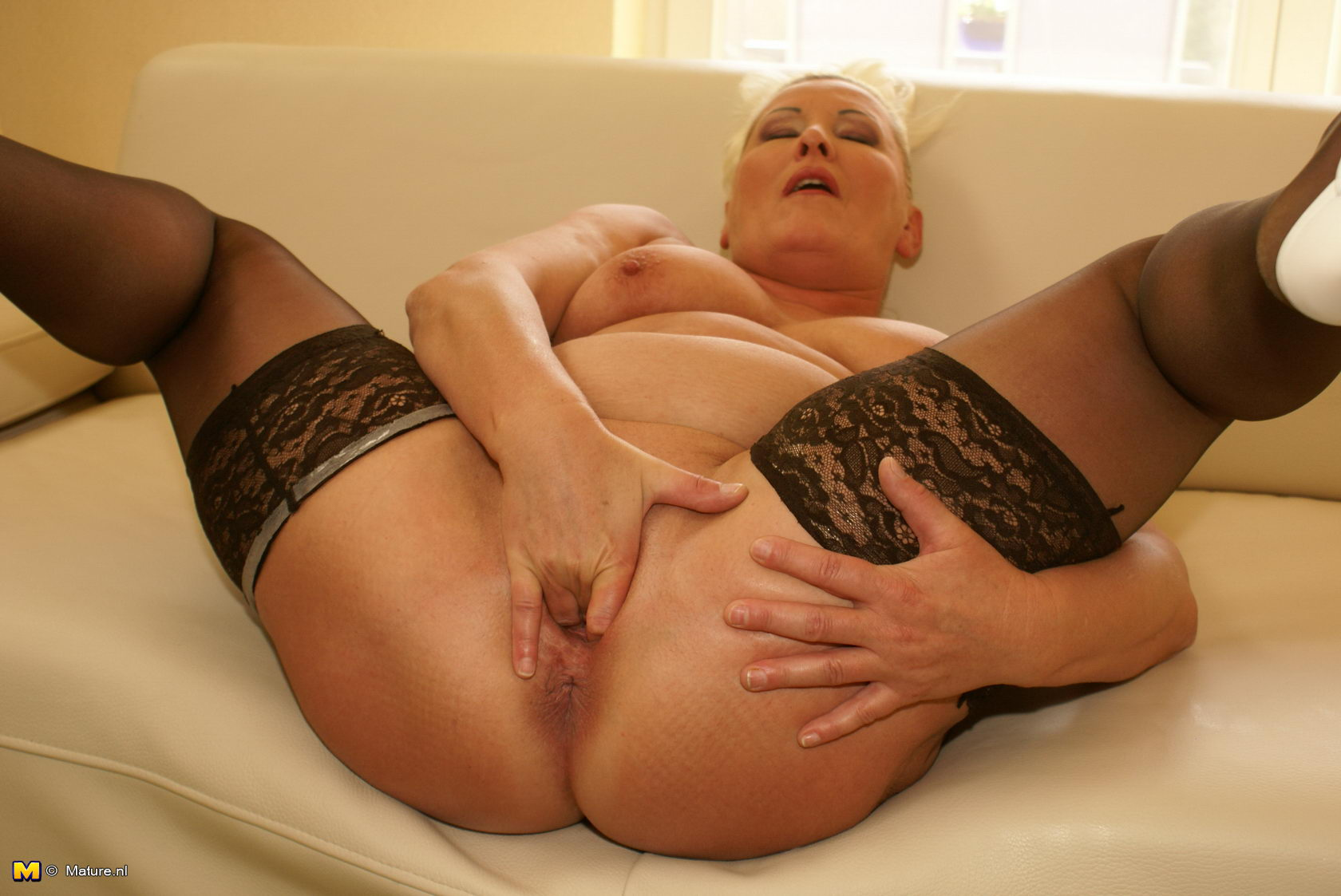 Mature loves anal