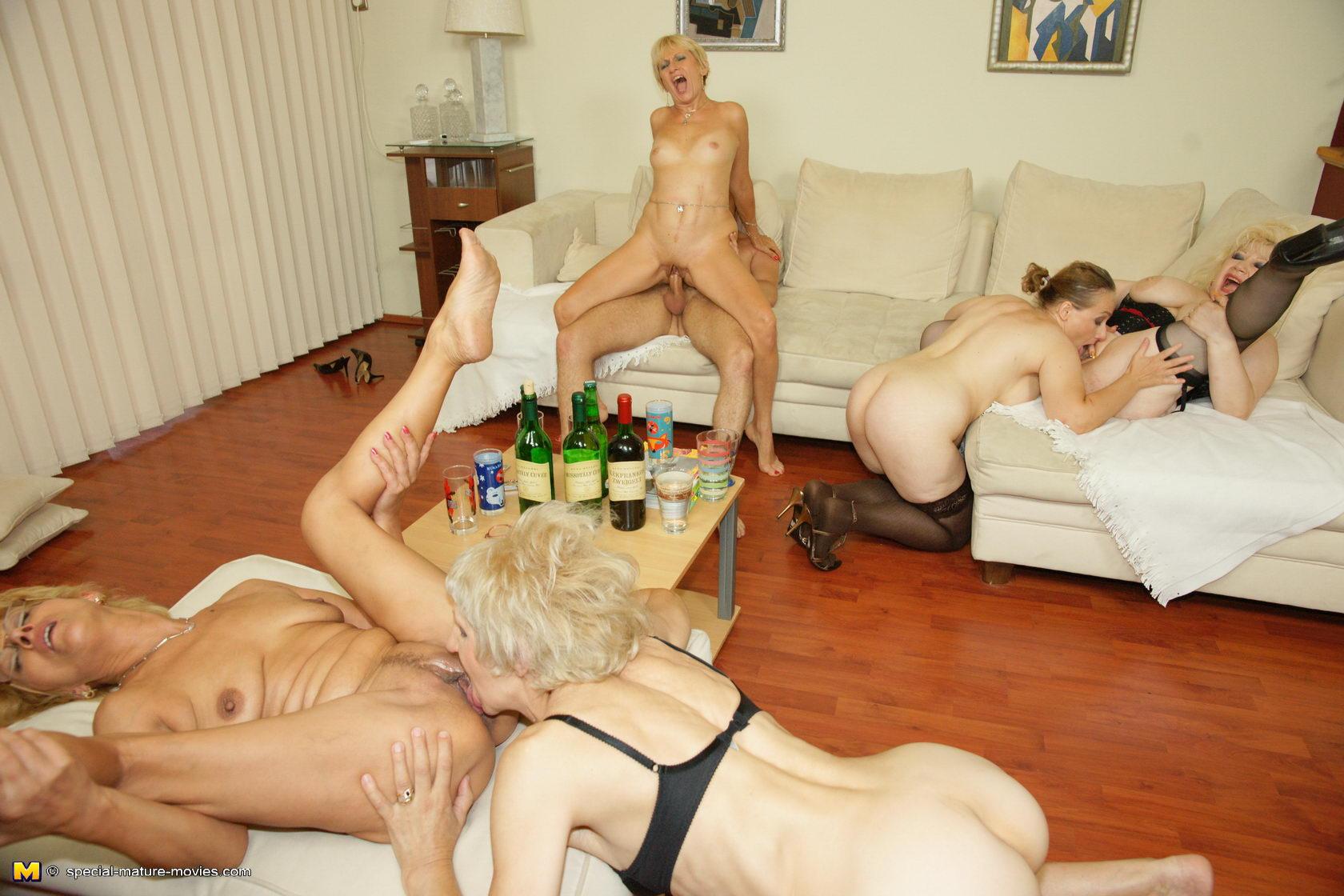 Секс фото зрелые групповуха фото 18 фотография