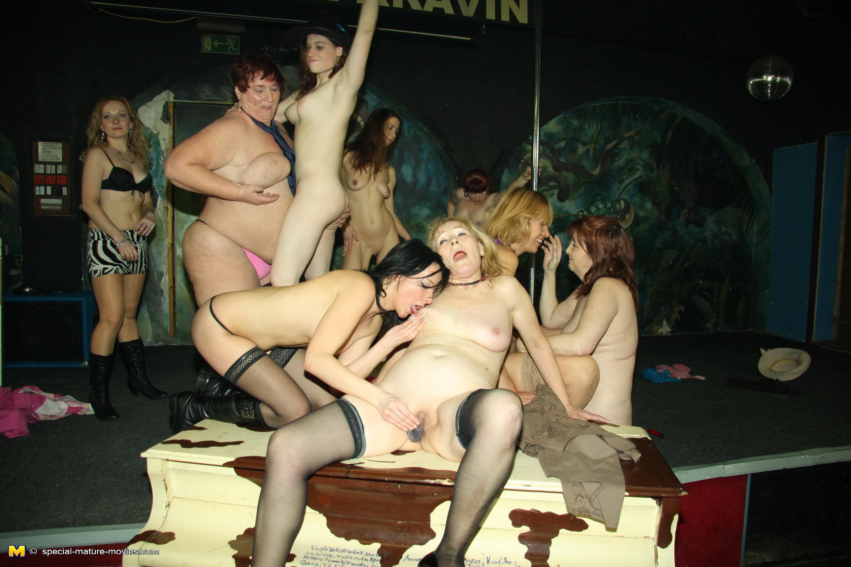 dannie-porno-roliki-gabriella-foks